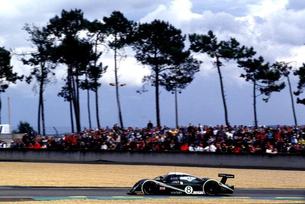 2001 Le Mans 24 Hours Le Mans, France. 16th - 17th June 2001 World Copyright - LAT Photographic ref: 01LM14.