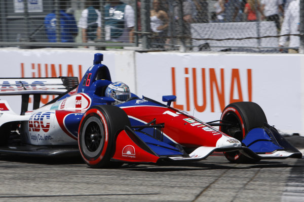 Tony Kanaan, A.J. Foyt Enterprises Chevrolet brushes the Turn 6 wall during qualifying
