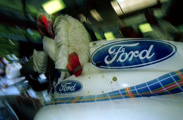 1997 Belgian Grand Prix.Spa-Francorchamps, Belgium.22-24 August 1997.Rubens Barrichello (Stewart SF1 Ford).World Copyright - LAT Photographic