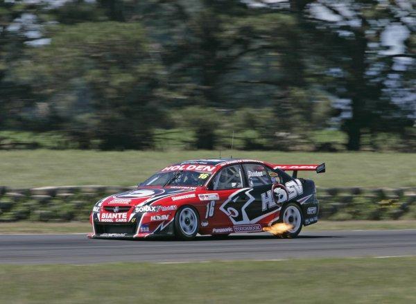 2005 Australian V8 SupercarsSymmons Plains Raceway, Australia. 11th - 13th November 2005Race winner Garth Tander (HSV Dealer Team Holden Commodore VZ). Action.World Copyright: Mark Horsburgh / LAT Photographicref: 05AusV8SP36