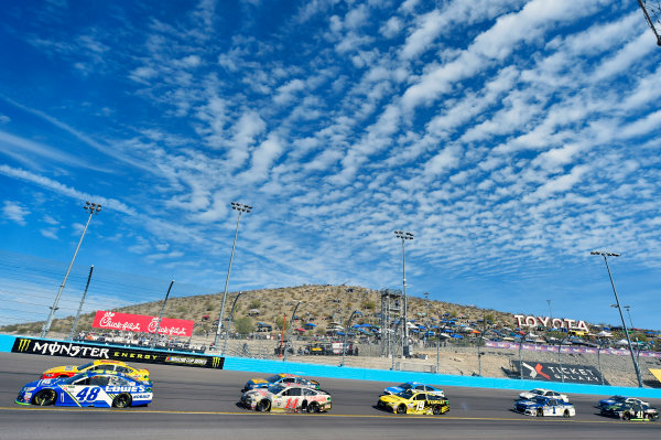 Monster Energy NASCAR Cup Series Can-Am 500 Phoenix Raceway, Avondale, AZ USA Sunday 12 November 2017 Jimmie Johnson, Hendrick Motorsports, Lowe's Chevrolet SS and Clint Bowyer, Stewart-Haas Racing, USA Network Damnation Ford Fusion World Copyright: Nigel Kinrade LAT Images