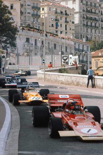1971 Monaco Grand Prix.  Monte Carlo, Monaco. 20th-23rd May 1971.  Emerson Fittipaldi, Lotus 72D Ford, leads, Peter Gethin, McLaren M14A Ford, and François Cevert, Tyrrell 002 Ford.  Ref: 71MON12. World Copyright: LAT Photographic