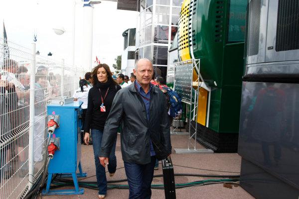 Monte Carlo, Monaco15th May 2010Ron Dennis. Portrait. World Copyright: Charles Coates/LAT Photographicref: Digital Image _26Y9055
