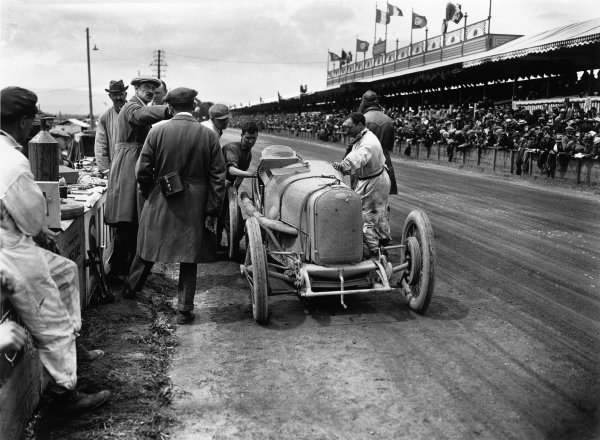 Strasbourg, France. 16th July 1922.A Sunbeam retires in the pit lane.World Copyright: LAT Photographic.Ref: Autocar Glass Plate A645.