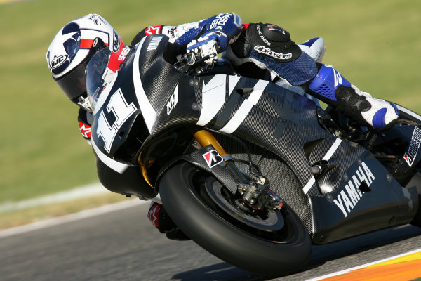 Valencia Test Nov 09-10Ben Spies new works 2011 Yamaha M1