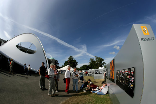 2006 Goodwood Festival of Speed  Goodwood, Great Britain. 7th - 9th July 2006. LAT Gallery. World Copyright: Gary Hawkins/LAT Photographic. ref: Digital Image Only.