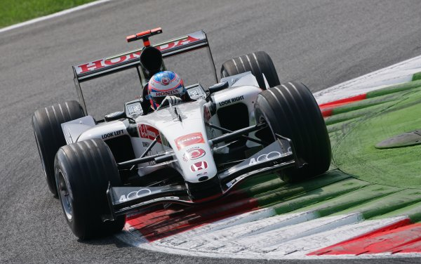2005 Italian Grand Prix - Friday Practice,Monza, Italy. 2nd September 2005 Jenson Button, BAR Honda 007, action.World Copyright: Steve Etherington/LAT Photographic ref: 48mb Hi Res Digital Image
