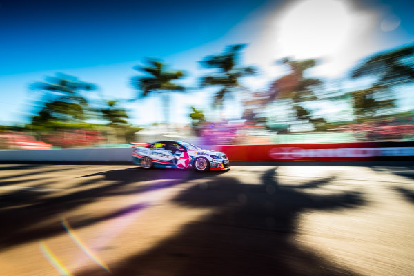 2017 Supercars Championship Round 7.  Townsville 400, Reid Park, Townsville, Queensland, Australia. Friday 7th July to Sunday 9th July 2017. Craig Lowndes drives the #888 TeamVortex Holden Commodore VF. World Copyright: Daniel Kalisz/ LAT Images Ref: Digital Image 070717_VASCR7_DKIMG_1907.jpg