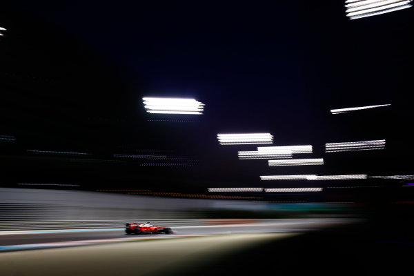Yas Marina Circuit, Abu Dhabi, United Arab Emirates. Saturday 26 November 2016. Sebastian Vettel, Ferrari SF16-H. World Copyright: Andy Hone/LAT Photographic ref: Digital Image _ONZ9626