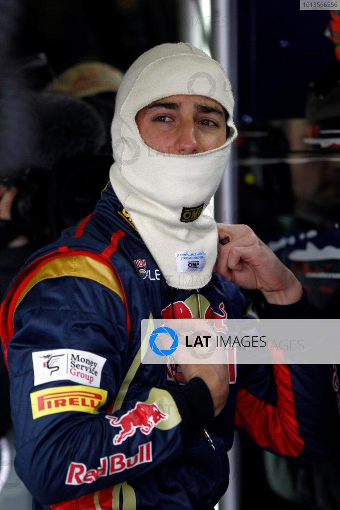 Albert Park, Melbourne, Australia 25th March 2011. Daniel Ricciardo, Toro Rosso STR6. Portrait. World Copyright: Andrew Ferraro/LAT Photographic ref: Digital Image _Q0C7572