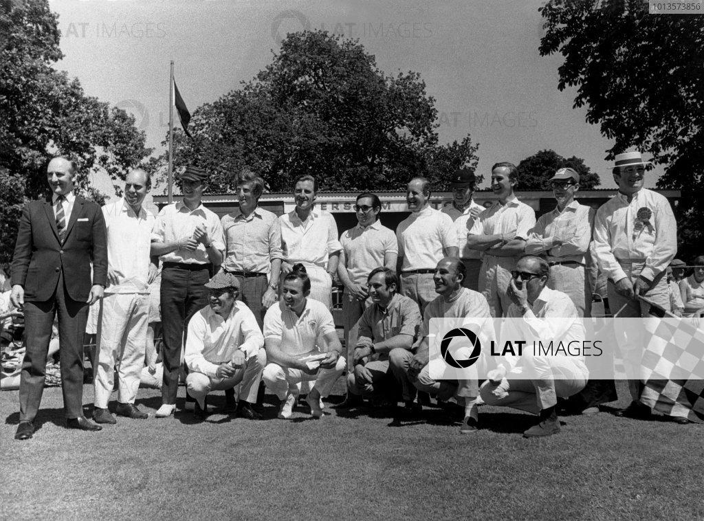58c6bda1406 1968 British Grand Prix Cricket Match. Photo