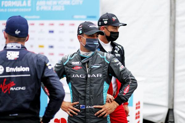 Nick Cassidy (NZL), Envision Virgin Racing, Mitch Evans (NZL), Jaguar Racing, and Andre Lotterer (DEU), Tag Heuer Porsche
