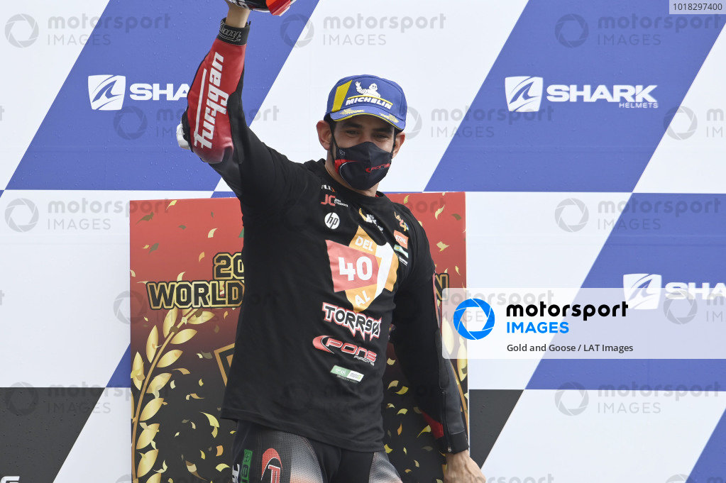 Podium: Champion Jordi Torres, Pons Racing 40.