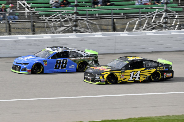 #88: Alex Bowman, Hendrick Motorsports, Chevrolet Camaro Nationwide, #14: Clint Bowyer, Stewart-Haas Racing, Ford Mustang DEKALB