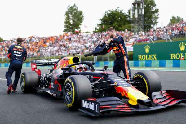 Max Verstappen, Red Bull Racing RB15 arrives on the grid