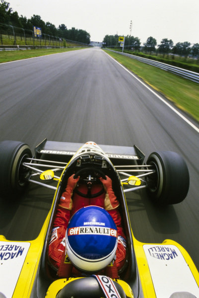 Onboard with Patrick Tambay, Renault RE50.