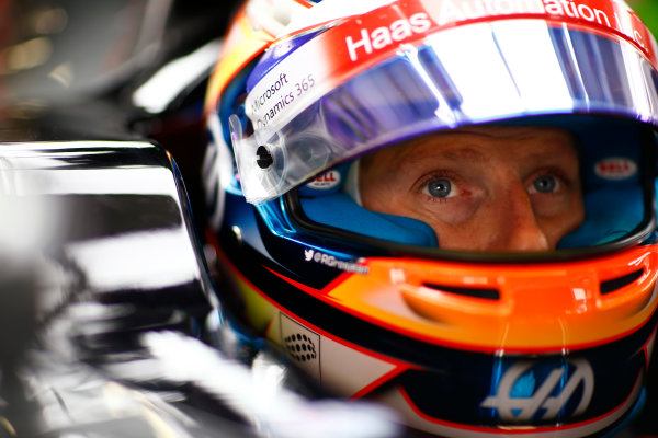 Sochi Autodrom, Sochi, Russia. Friday 28 April 2017. Romain Grosjean, Haas F1, in cockpit with crash helmet open. World Copyright: Andy Hone/LAT Images ref: Digital Image _ONZ9095
