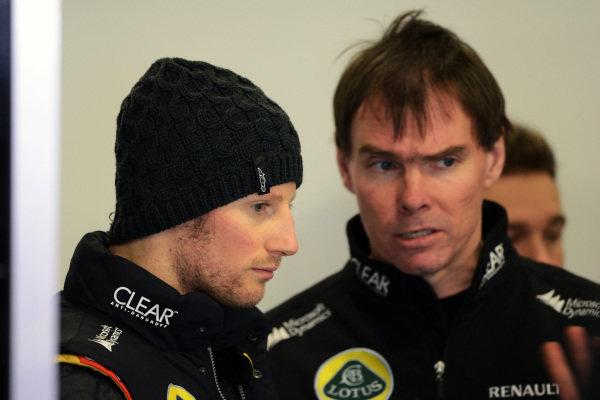 Romain Grosjean (FRA) Lotus F1 and Alan Permane (GBR) Lotus F1 Race Engineer. Formula One Testing, Day 3, Barcelona, Spain, Thursday 21 February 2013.