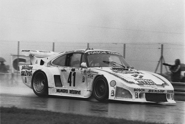 Le Mans, France. 9th - 10th June 1979.Klaus Ludwig/Bill Whittington/Don Whittington (Porsche 935/K3), 1st position, action. World Copyright: LAT Photographic.Ref: 12627 - 26-26A.