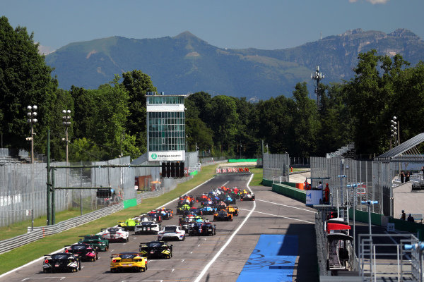 Start of the 4 Hours of Monza