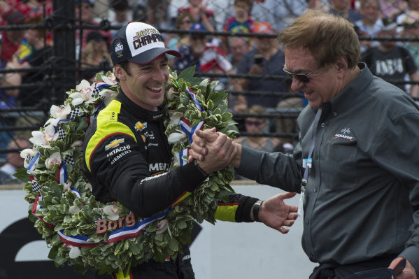Simon Pagenaud, Team Penske Chevrolet, celebrates with sponsor John Menard