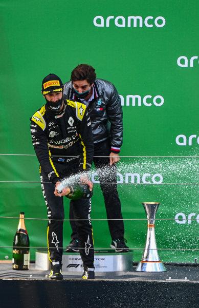 Daniel Ricciardo, Renault F1, 3rd position, sprays Champagne on the podium