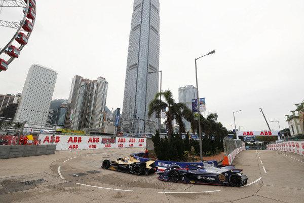 Andre Lotterer (DEU), DS TECHEETAH, DS E-Tense FE19, leads Sam Bird (GBR), Envision Virgin Racing, Audi e-tron FE05