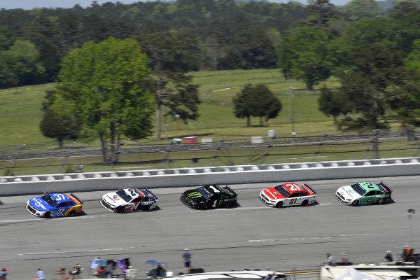 #37: Ryan Preece, JTG Daugherty Racing, Chevrolet Camaro Kroger/Reese's and #24: William Byron, Hendrick Motorsports, Chevrolet Camaro Liberty University