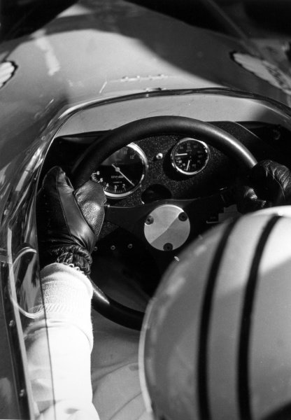 1968 Spanish Grand Prix.Jarama, Spain. 12 May 1968.Denny Hulme, McLaren M7A-Ford, 2nd position, cockpit, technical detail.World Copyright: LAT PhotographicRef: 1987 #37