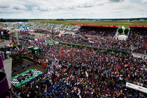 2016 Le Mans 24 Hours. Circuit de la Sarthe, Le Mans, France. Sunday 19 June 2016. Porsche Team / Porsche 919 Hybrid - Romain Dumas (FRA), Neel Jani (CHE), Marc Lieb (DEU), Toyota Gazoo Racing / Toyota TS050 - Hybrid - Stephane Sarrazin (FRA), Michael Conway (GBR), Kamui Kobayashi (JPN), Audi Sport Team Joest / Audi R18 - Lucas Di Grassi (BRA), Loic Duval (FRA), Oliver Jarvis (GBR), Rebellion Racing / Rebellion R-One-AER - Nicolas Prost (FRA), Nick Heidfeld (DEU), Nelson Piquet (NLD).  World Copyright: Zak Mauger/LAT Photographic ref: Digital Image _79P9163