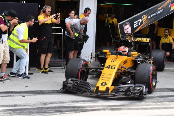 Hungaroring, Budapest, Hungary.  Wednesday 2 August 2017. Robert Kubica, Renault R.S.17, leaves the garage. World Copyright: Mark Sutton/LAT Images  ref: Digital Image SUT_Hungarian_F1_T_1516194