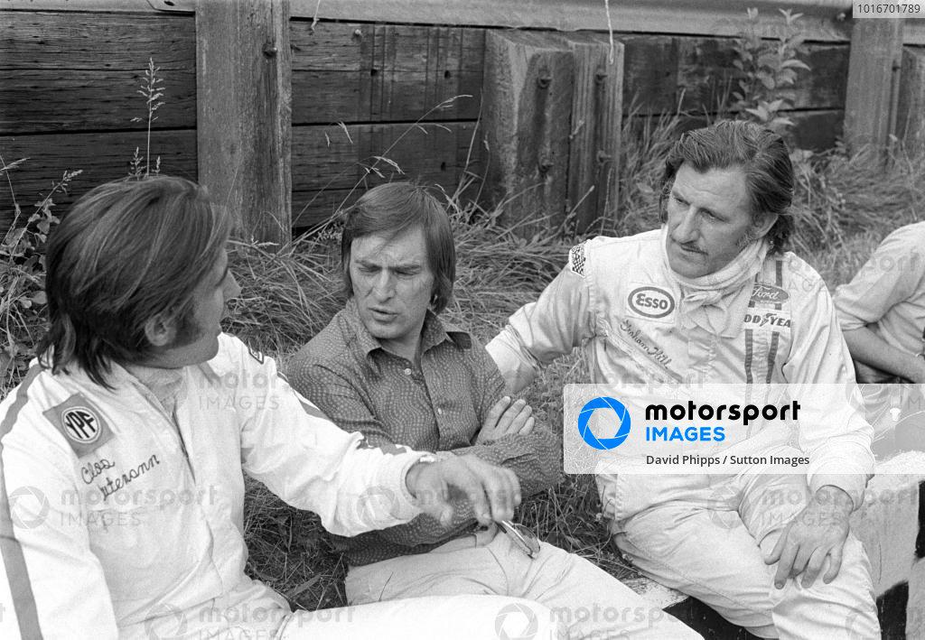 L to R: Carlos Reutemann(ARG), Brabham Team Boss Bernie Ecclestone(GBR) and Graham Hill(GBR) British GP, Brands Hatch, 17 July 1972