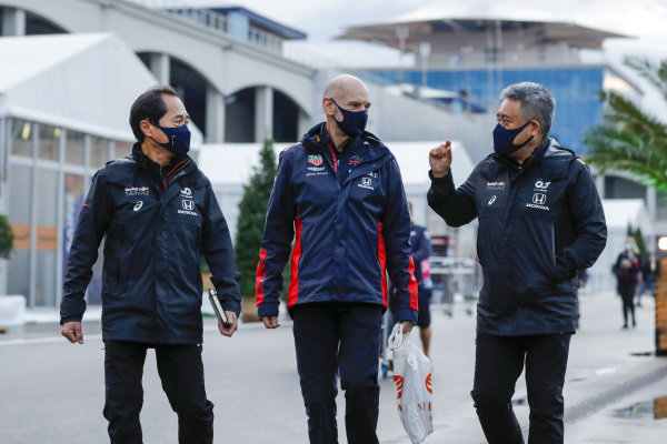 Toyoharu Tanabe, F1 Technical Director, Honda, Adrian Newey, Chief Technical Officer, Red Bull Racing, and Masashi Yamamoto, General Manager, Honda Motorsport