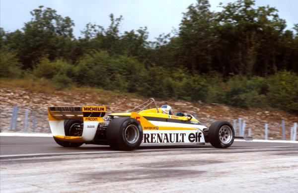 1981 French Grand Prix.Dijon-Prenois, France.3-5 July 1981.Alain Prost (Renault RE30) 1st position. Ref-81 FRA 07.World Copyright - LAT Photographic