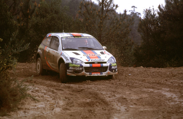 2001 World Rally Championship. Rally Portugal, Portugal. 8th-11th March 2001. Sainz and Moya in the Ford race action. World Copyright: McKlein / LAT Photographic. Ref: Portugal A09