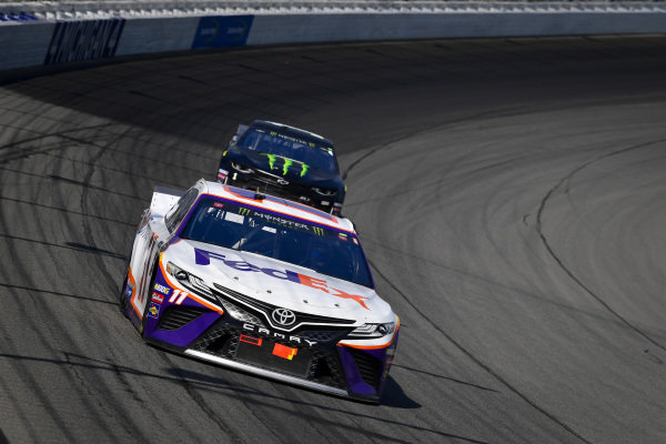 #11: Denny Hamlin, Joe Gibbs Racing, Toyota Camry FedEx Office, #1: Kurt Busch, Chip Ganassi Racing, Chevrolet Camaro Monster Energy