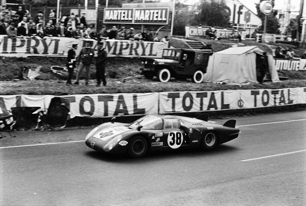 Carlo Facetti / Spartaco Dini, Autodelta, Alfa Romeo T33/2.
