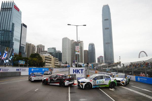 Simon Evans (NZL), Team Asia New Zealand leadsSérgio Jimenez (BRA), Jaguar Brazil Racing and Cacá Bueno (BRA), Jaguar Brazil Racing