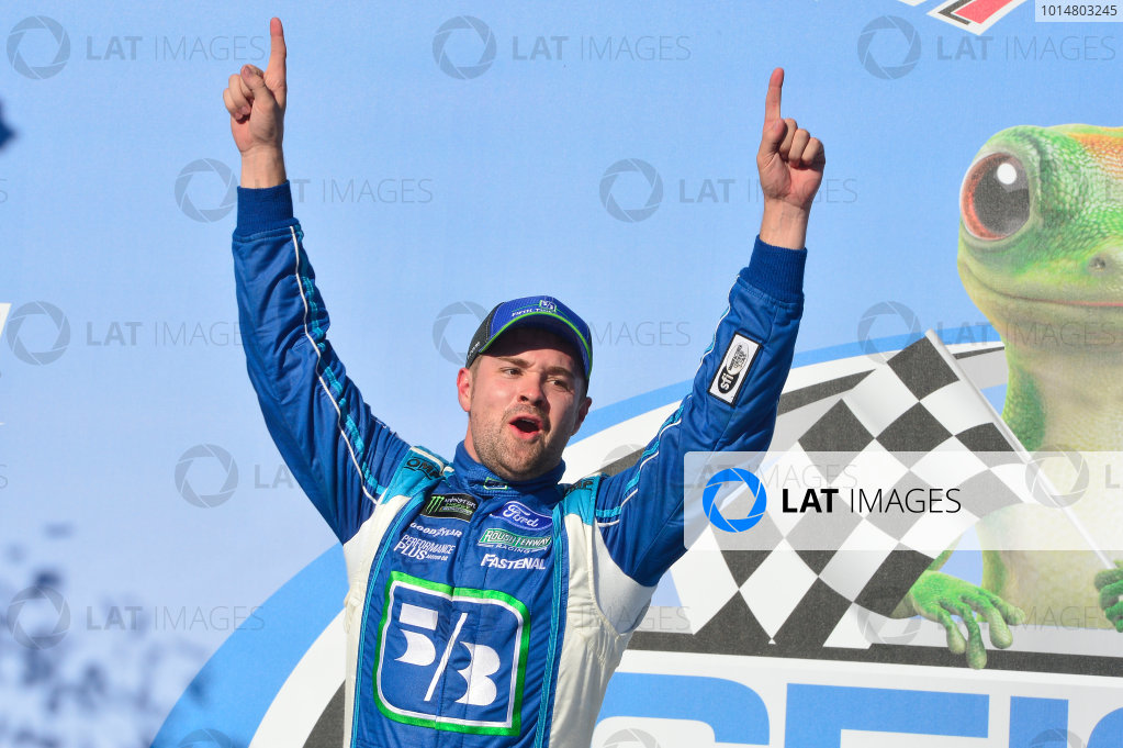 Monster Energy NASCAR Cup Series GEICO 500 Talladega Superspeedway, Talladega, AL USA Sunday 7 May 2017 Ricky Stenhouse Jr, Roush Fenway Racing, Fifth Third Bank Ford Fusion, celebrates in victory lane. World Copyright: John K Harrelson LAT Images ref: Digital Image 17TAL1jh_05115