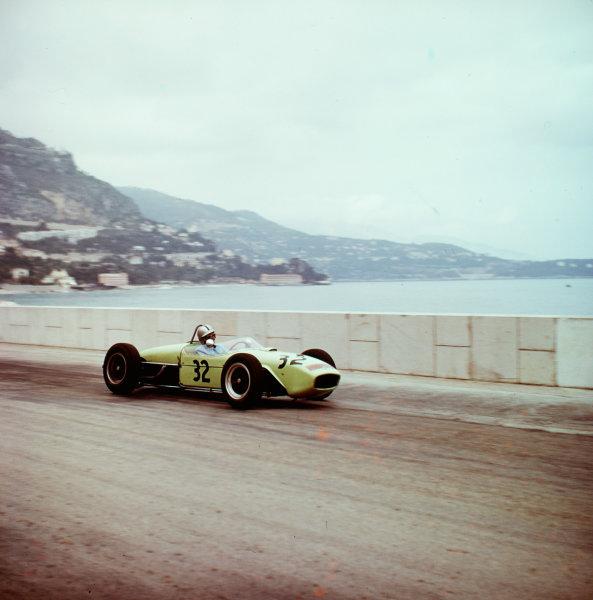 1961 Monaco Grand Prix.Monte Carlo, Monaco.11-14 May 1961.Cliff Allison (Lotus 18 Climax) 8th position.Ref-3/0265.World Copyright - LAT Photographic