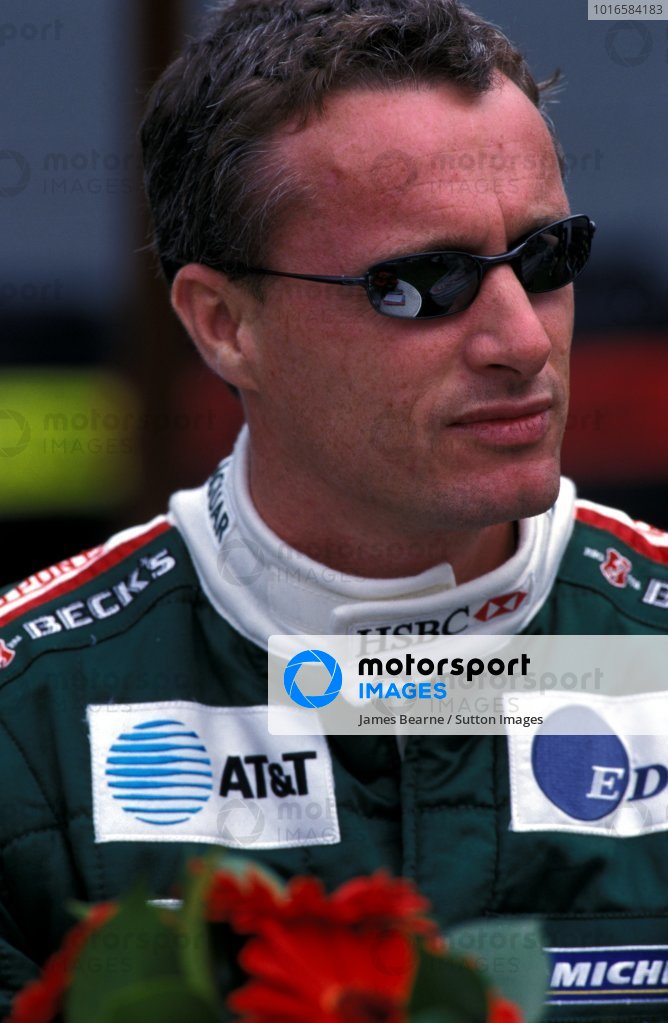 Eddie Irvine (GBR) Jaguar.Formula One World Championship, Rd1, Australian Grand Prix, Albert Park, Melbourne, Australia, 3 March 2002.BEST IMAGE