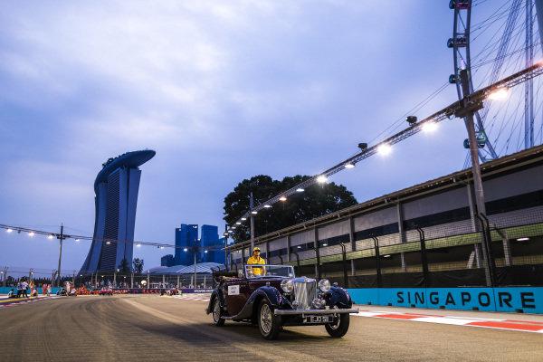 Carlos Sainz Jr, Renault Sport F1 Team, at the drivers parade