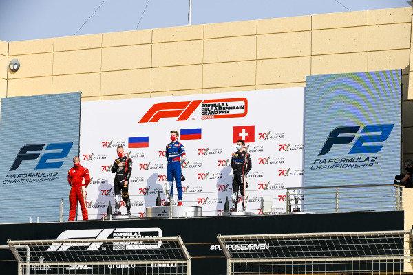 Winning Constructor Representative, Nikita Mazepin (RUS, HITECH GRAND PRIX), Race Winner Robert Shwartzman (RUS, PREMA RACING) and Louis Deletraz (CHE, CHAROUZ RACING SYSTEM) on the podium