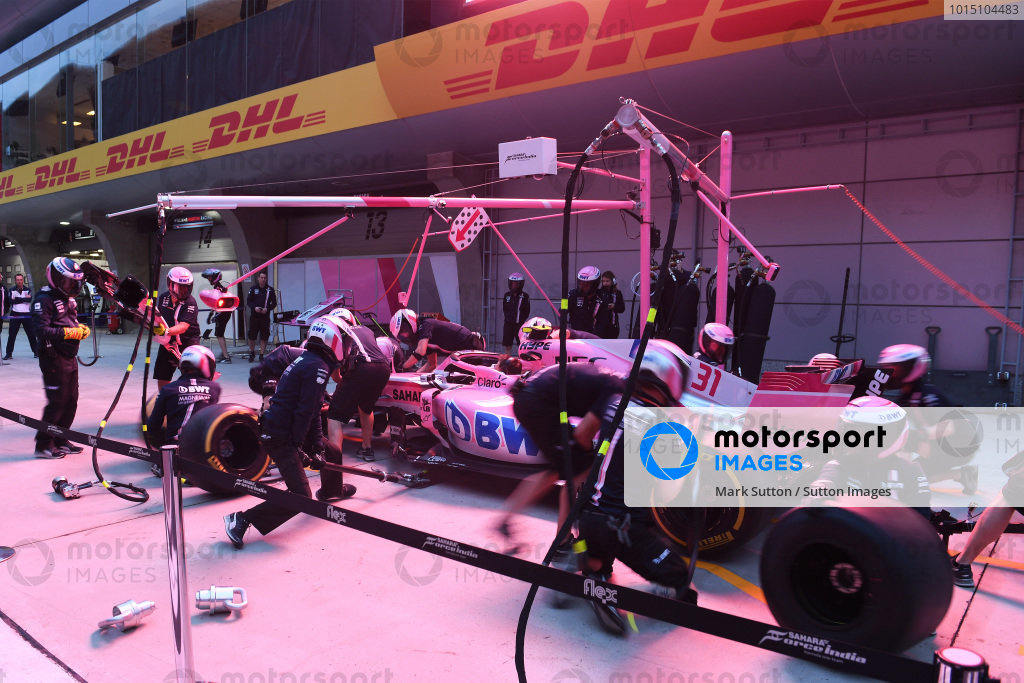 Force India F1 pit stop practice