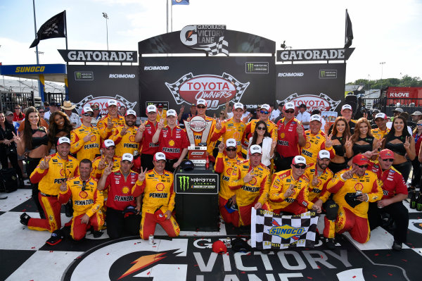 Monster Energy NASCAR Cup Series Toyota Owners 400 Richmond International Raceway, Richmond, VA USA Sunday 30 April 2017 Joey Logano, Team Penske, Shell Pennzoil Ford Fusion wins. World Copyright: Rusty Jarrett LAT Images ref: Digital Image 17RIC1rj_4428