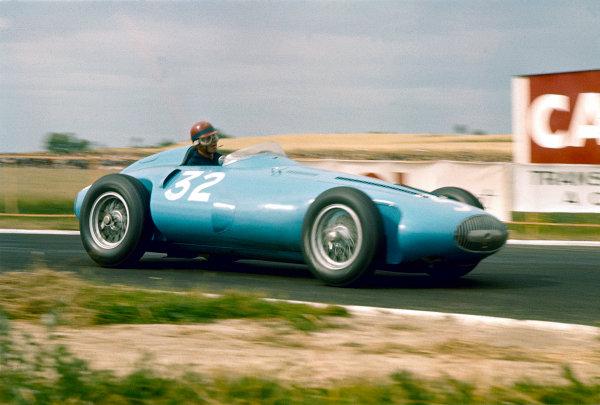 1956 French Grand Prix. Reims, France. 29/6-1/7 1956. Hernano Nano da Silva Ramos (Gordini Type 32) 8th position. Ref-56 FRA 07. World Copyright - LAT Photographic