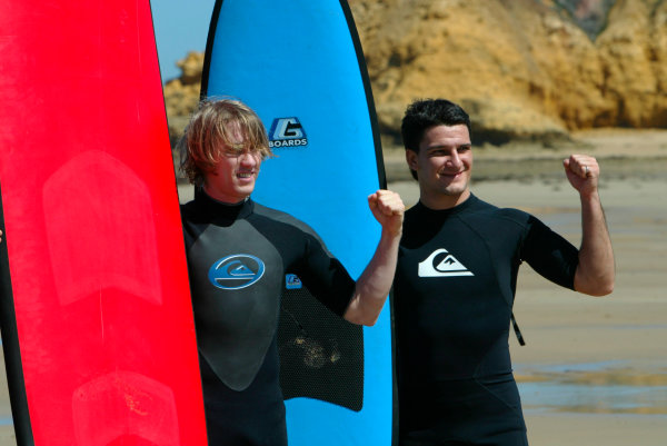 2004 Australian Grand Prix Melbourne, Australia. 1st March 2004. Jordan drivers, Nick Heidfeld and Giorgio Pantano visit Torquay beach to try Surfing. World Copyright: LAT Photographic/Coates ref: Digital Image Only