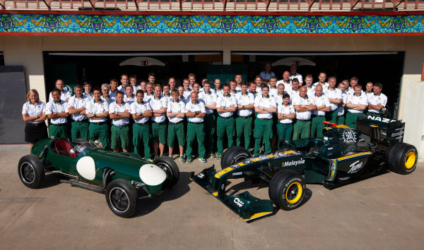 Valencia Street Circuit, Valencia, Spain 24th June 2010. The Lotus team commemorate the 500th race for the marque. Portrait.  World Copyright: Steve Etherington/LAT Photographic ref: Digital Image SNE25544