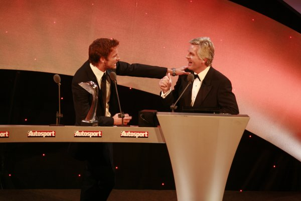 2006 Autosport AwardsGrosvenor House Hotel, London. 3rd December 2006.Jenson Button and Steve Rider share a joke as the International Competition Driver award is presented.World Copyright: Malcolm Griffiths/LAT Photographicref: Digital Image _MG_2740