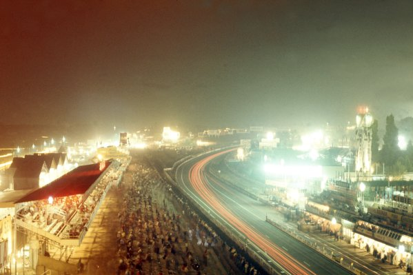 1974 Le Mans 24 hours.Le Mans, France. 15-16 June 1974.The pit straight and pits at night.World Copyright: LAT PhotographicRef: 35mm transparency 74LM21
